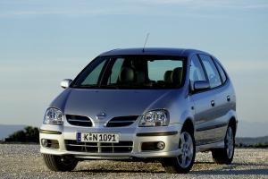 Nissan Tino 4 2003